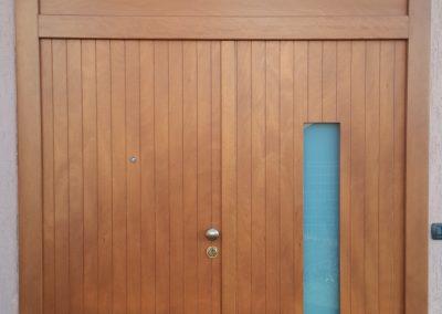 Blindata a 2 ante vetrata con sopraluce fisso cieco, finitura legno – marzo 2015
