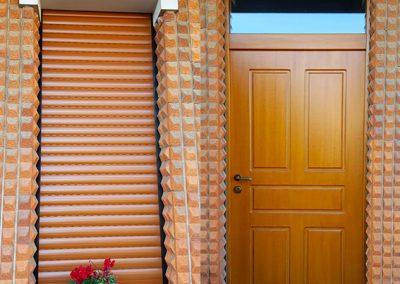 porta-blindata-classe-3-pannello-in-legno-pantografato-con-avvolgibile-in-alluminio-abbinato---Gennaio-2020